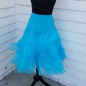 Dresses & Skirts - Petticoat